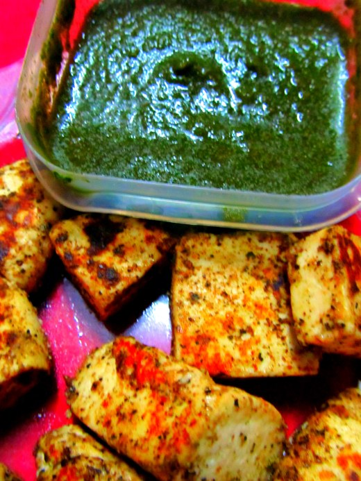Black peppered paneer with chutney