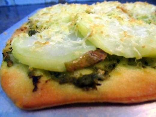 pesto n potato pizza