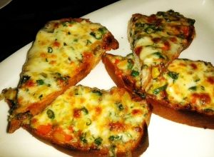 Chili cheese toast