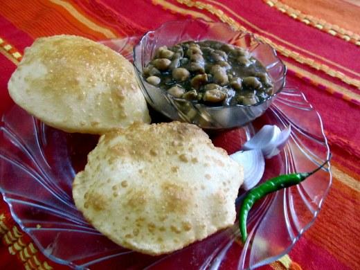 Chana bhatura